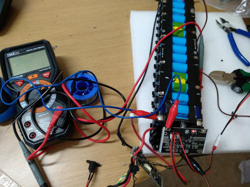 Taller de reparacion de baterias de patinetes electricos. Servicio técnico. Baterias Xiaomi y otras masrcas.